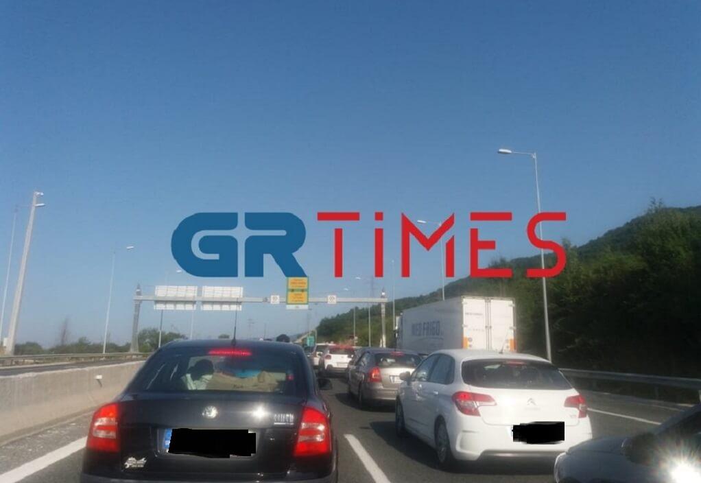 Αυξημένη κίνηση στην Εγνατία οδό στο ρεύμα προς Θεσσαλονίκη (ΦΩΤΟ)