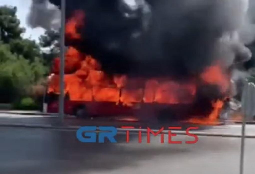 Θεσ/νίκη: Η στιγμή που το λεωφορείο τυλίχτηκε στις φλόγες- Τι λέει αυτόπτης μάρτυρας (ΦΩΤΟ-VIDEO)