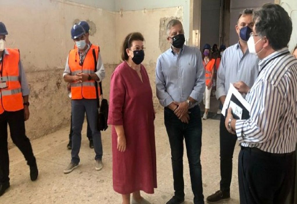 Επίσκεψη Μενδώνη – Πατούλη στο Παλαιό Μουσείο Ακρόπολης