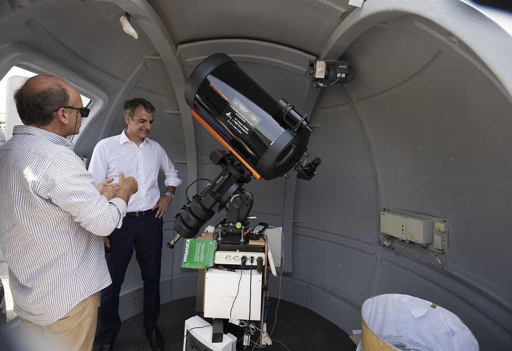 Ένα πρωτότυπο σχολείο με αστρονομικό παρατηρητήριο επισκέφθηκε ο Κυρ. Μητσοτάκης (VIDEO)