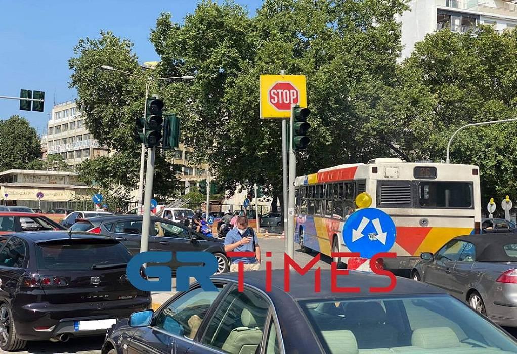 Θεσσαλονίκη: Κυκλοφοριακό κομφούζιο-Δεν λειτουργούν τα φανάρια στον Βαρδάρη (ΦΩΤΟ-VIDEO)