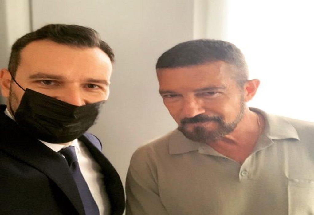 Θάνος: Μια συνηθισμένη μέρα στη Θεσσαλονίκη με τον Μπαντέρας!