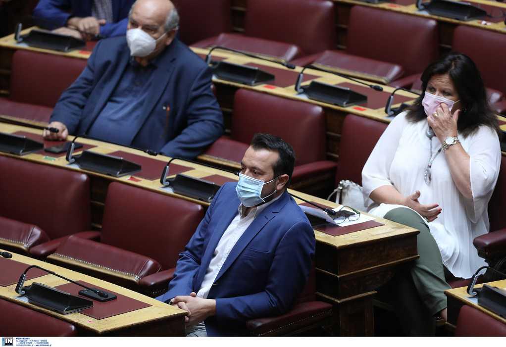 Υπόθεση Παππά: Ξεκίνησε η συνεδρίαση στη Βουλή με τις ομιλίες των εισηγητών
