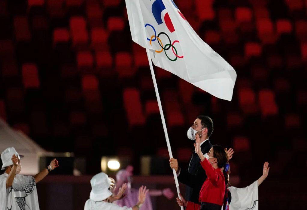 Ολυμπιακοί Αγώνες: Γιατί οι Ρώσοι αθλητές δεν εμφανίστηκαν με τη σημαία της χώρας τους