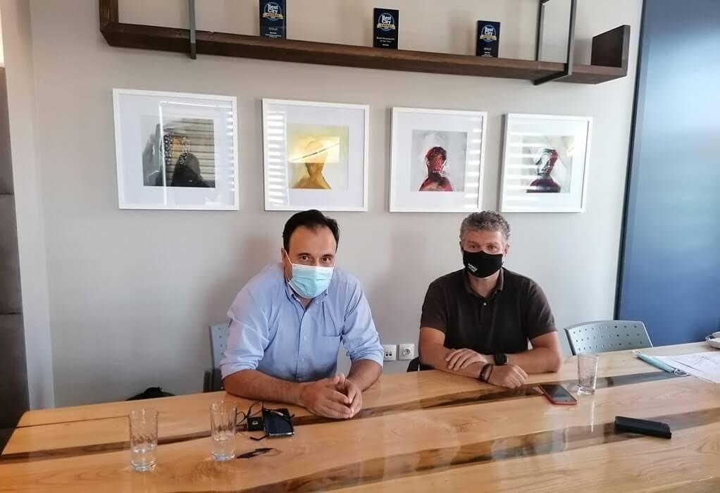 ΚΕΔΕ: Συνάντηση Παπαστεργίου – Γκουντάρα για ενίσχυση εμβολιασμών