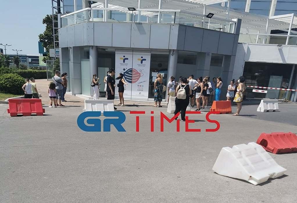 Θεσσαλονίκη: Στην ουρά για rapid test παρά τον καύσωνα (ΦΩΤΟ-VIDEO)