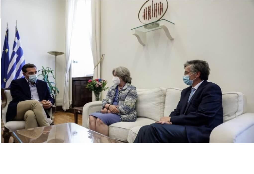 Συνάντηση Τσίπρα με Τσιόδρα και Λινού στη Βουλή