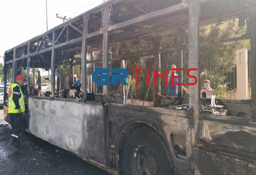 Θεσ/νίκη: Κάηκε ολοσχερώς λεωφορείο του ΚΤΕΛ Σερρών (ΦΩΤΟ-VIDEO)