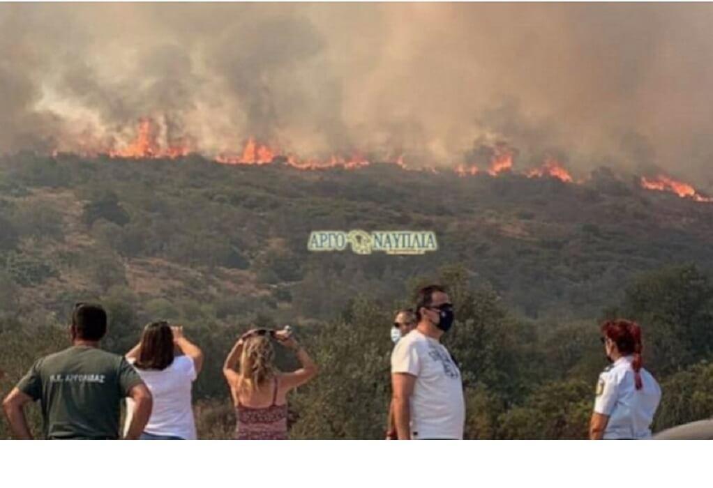 Φωτιά στην Αργολίδα: Εκκενώθηκε το χωριό Γκάτζια