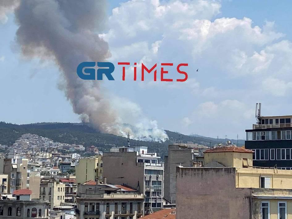 Pyrocumulus: Το σύννεφο που προκλήθηκε από τους καπνούς στο Σέιχ Σου
