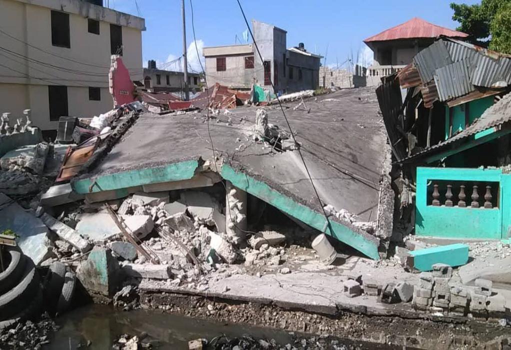 Οι ΗΠΑ προσφέρουν βοήθεια στην Αϊτή μετά τον σεισμό των 7,2 Ρίχτερ