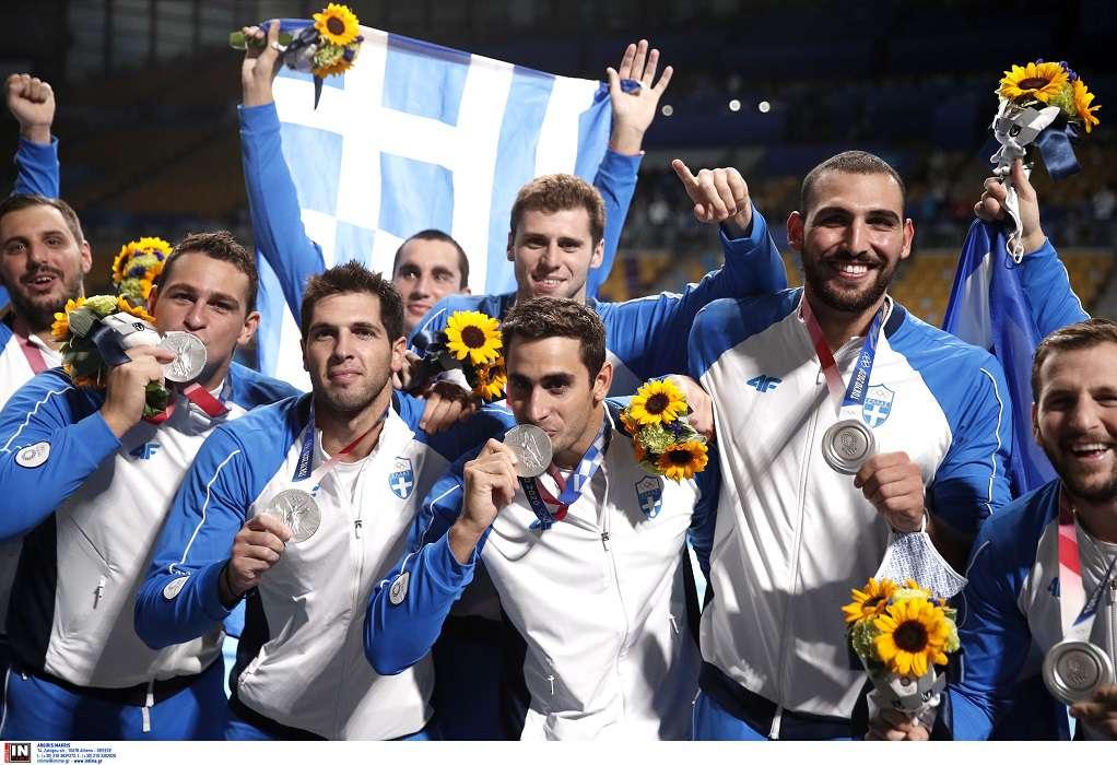 Ολυμπιακοί Αγώνες: Η απονομή του ασημένιου μεταλλίου στην εθνική ομάδα πόλο (VIDEO)