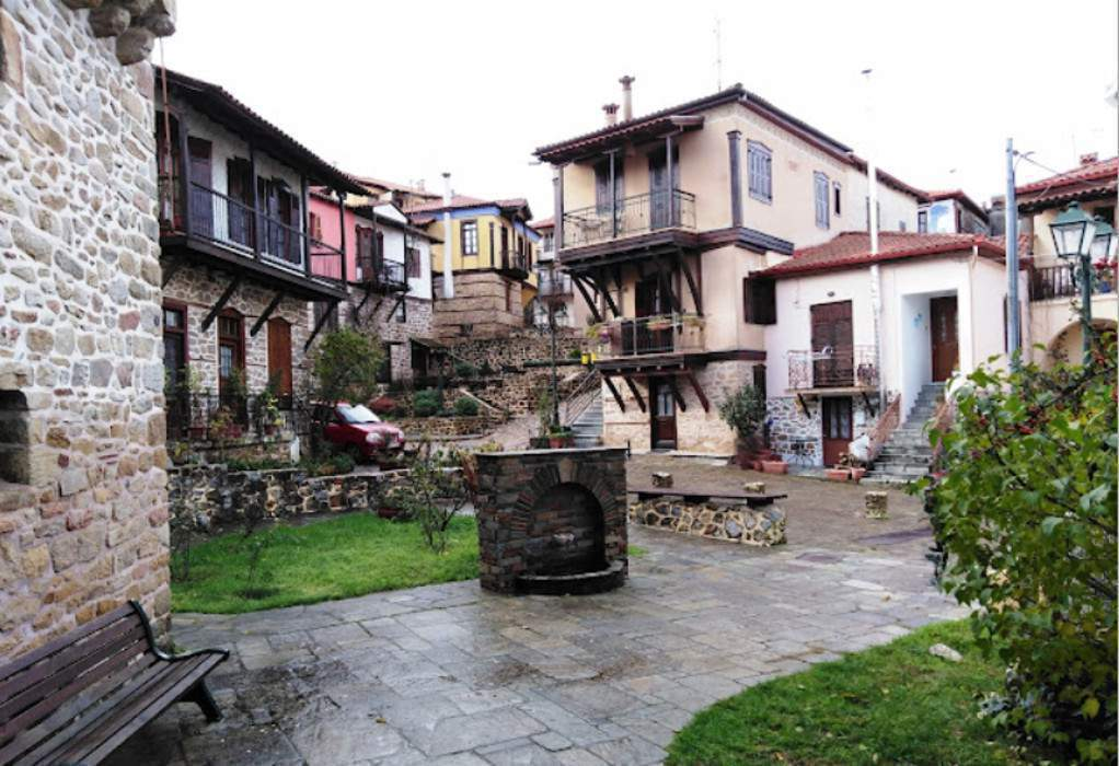 Δ. Αριστοτέλη: Παραμένει η σύσταση για μη πόση νερού στην Αρναία-Τι λέει ο Σ. Βαλιάνος