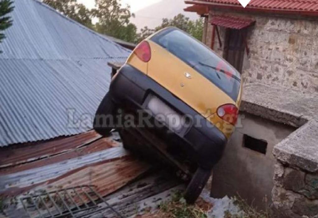 Φθιώτιδα: Αυτοκίνητο προσγειώθηκε μέσα σε σπίτι!
