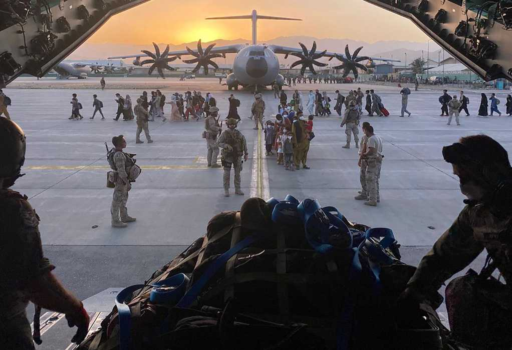 Αφγανιστάν: Σχεδόν 100 Αμερικανοί πολίτες και μόνιμοι κάτοικοι περιμένουν να φύγουν
