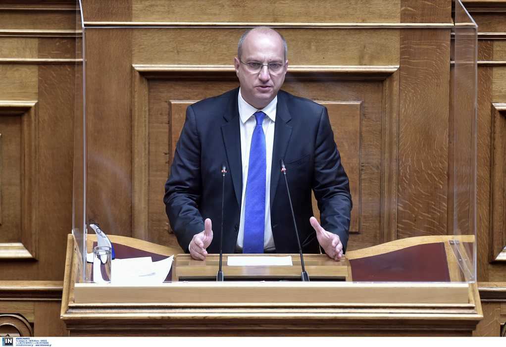 Ποιος είναι ο νέος κυβερνητικός εκπρόσωπος Γιάννης Οικονόμου