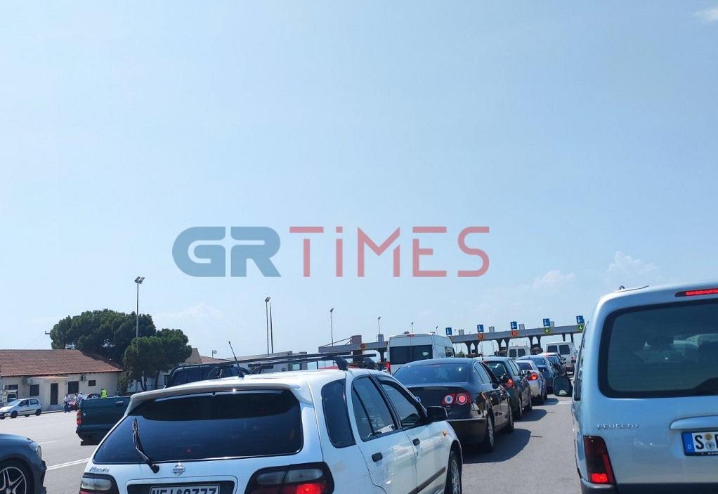 Θεσ/νίκη: Άνοιξαν τα διόδια Μαλγάρων λόγω της κίνησης