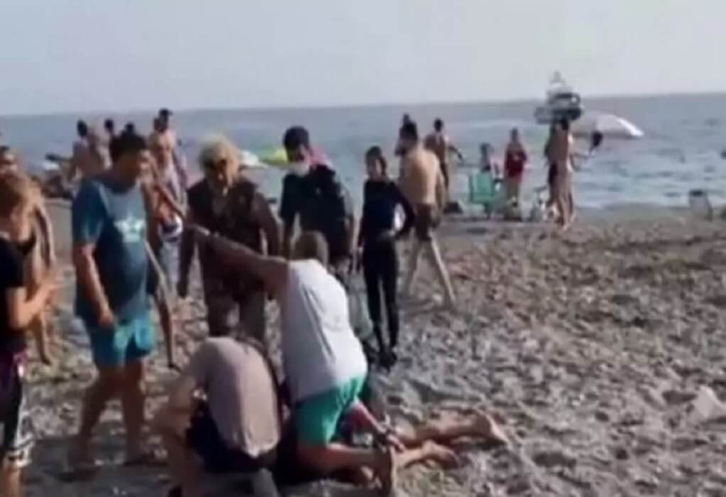 Ισπανία: Λουόμενοι άφησαν το μπάνιο για να συλλάβουν διακινητές ναρκωτικών (VIDEO)