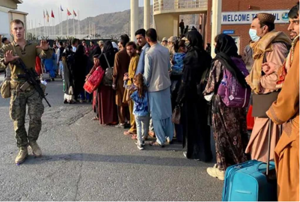 Αλβανία: Έφτασαν Αφγανοί υποψήφιοι προς μετεγκατάσταση στις ΗΠΑ