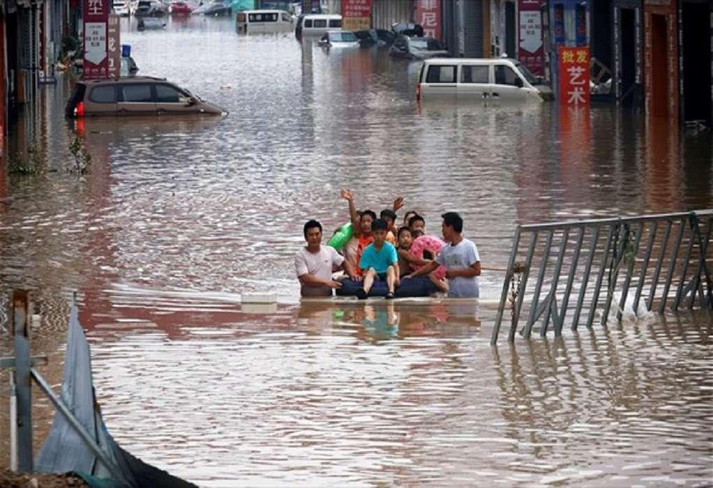 Κίνα: Τουλάχιστον 21 νεκροί από τις καταρρακτώδεις βροχές