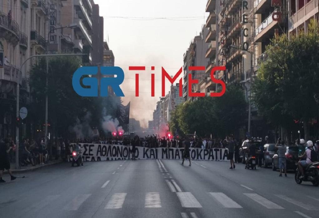 Με πυρσούς η πορεία των οπαδών του ΠΑΟΚ προς την Τούμπα (ΦΩΤΟ-VIDEO)