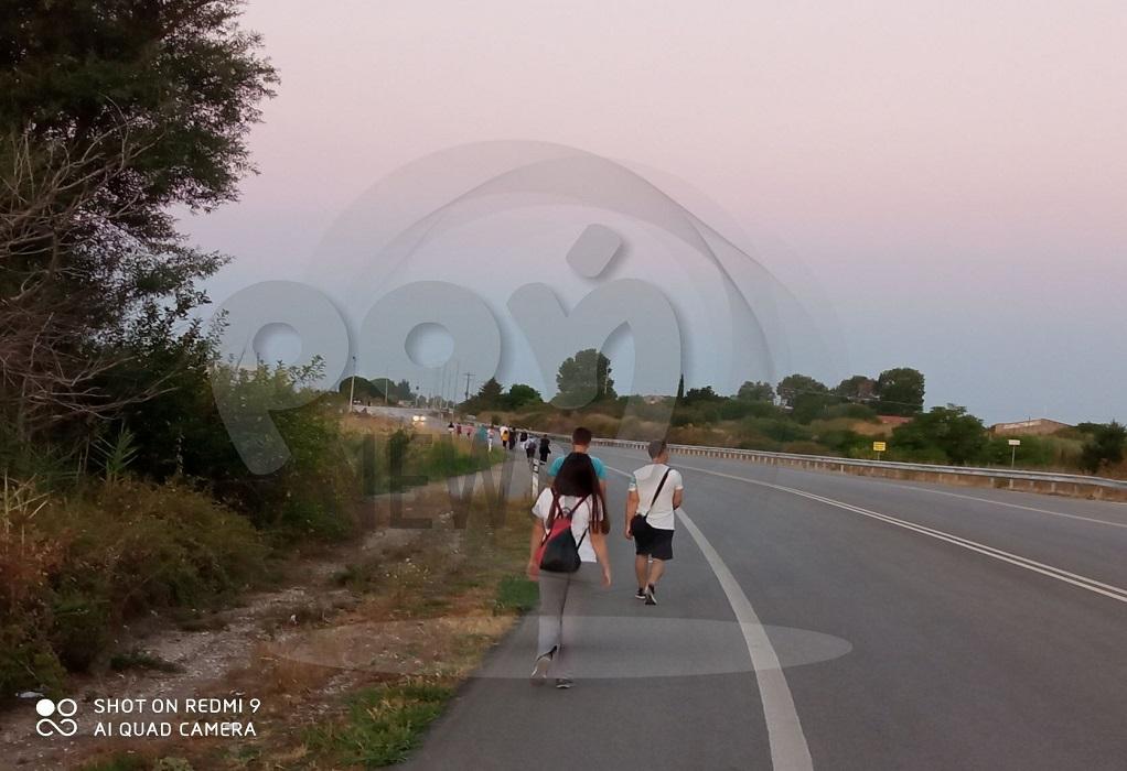 Κομοτηνή: Δεκάδες πιστοί περπάτησαν 13χλμ μέχρι τη Μονή Παναγίας Φανερωμένης Βαθυρρύακος (ΦΩΤΟ)