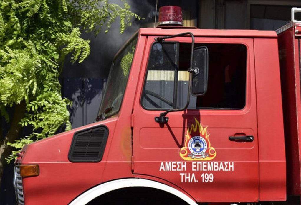 Φωτιά στα Σπάτα – Συναγερμός στην Πυροσβεστική