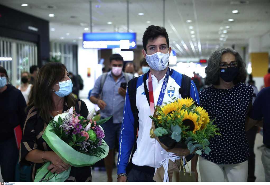 Επέστρεψε στην Αθήνα ο «χρυσός» Μίλτος Τεντόγλου (ΦΩΤΟ)
