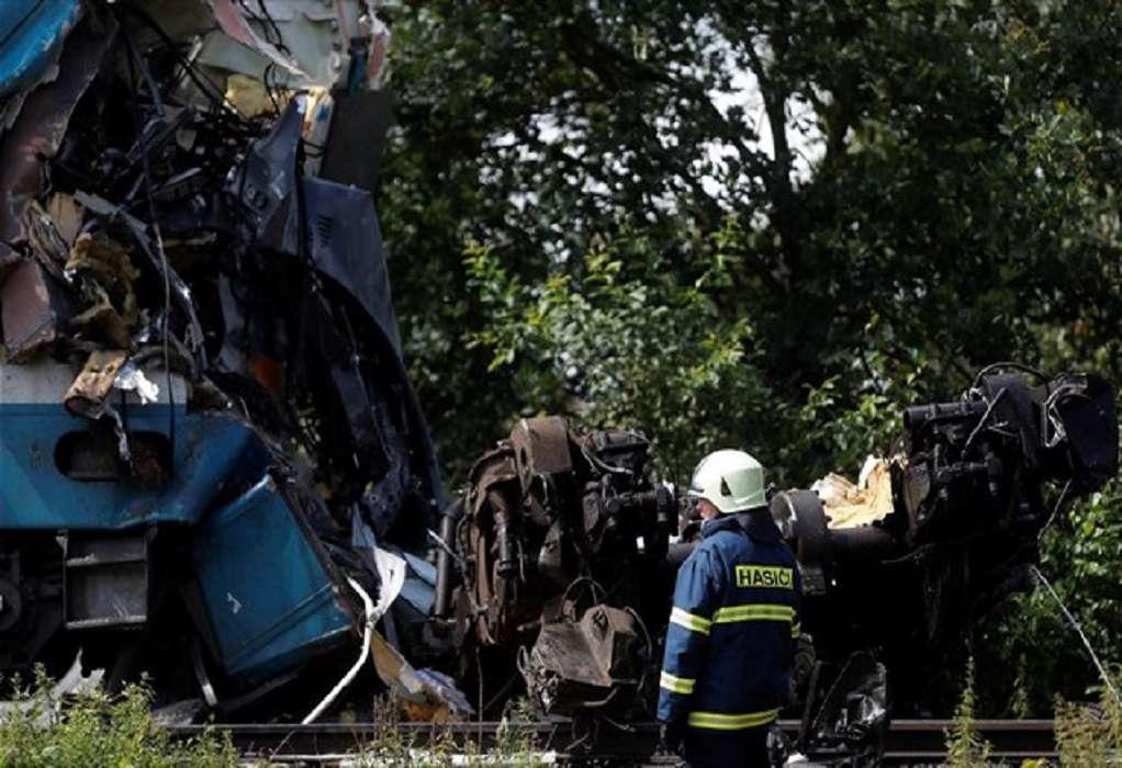 Τσεχία: Τρεις οι νεκροί και 8 τραυματίες από τη σύγκρουση τρένων