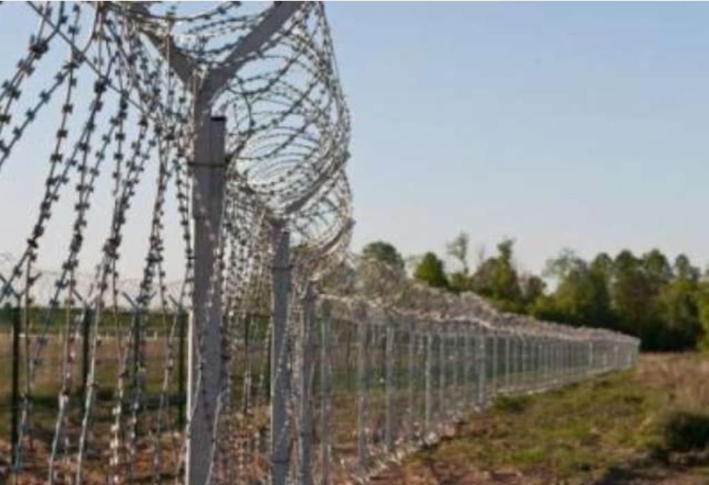 Η Πολωνία υψώνει φράκτη στα σύνορα με Λευκορωσία