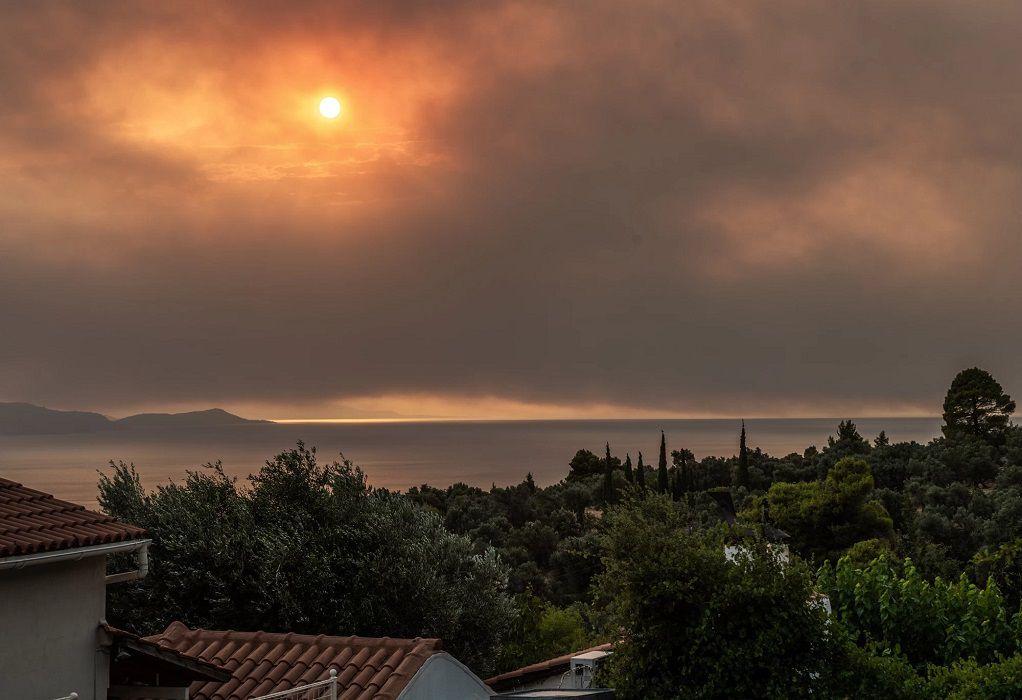 Λίμνη Ευβοίας: Κρίσιμη η κατάσταση – Η πυρκαγιά πλησιάζει το μοναστήρι του Οσίου Δαυίδ