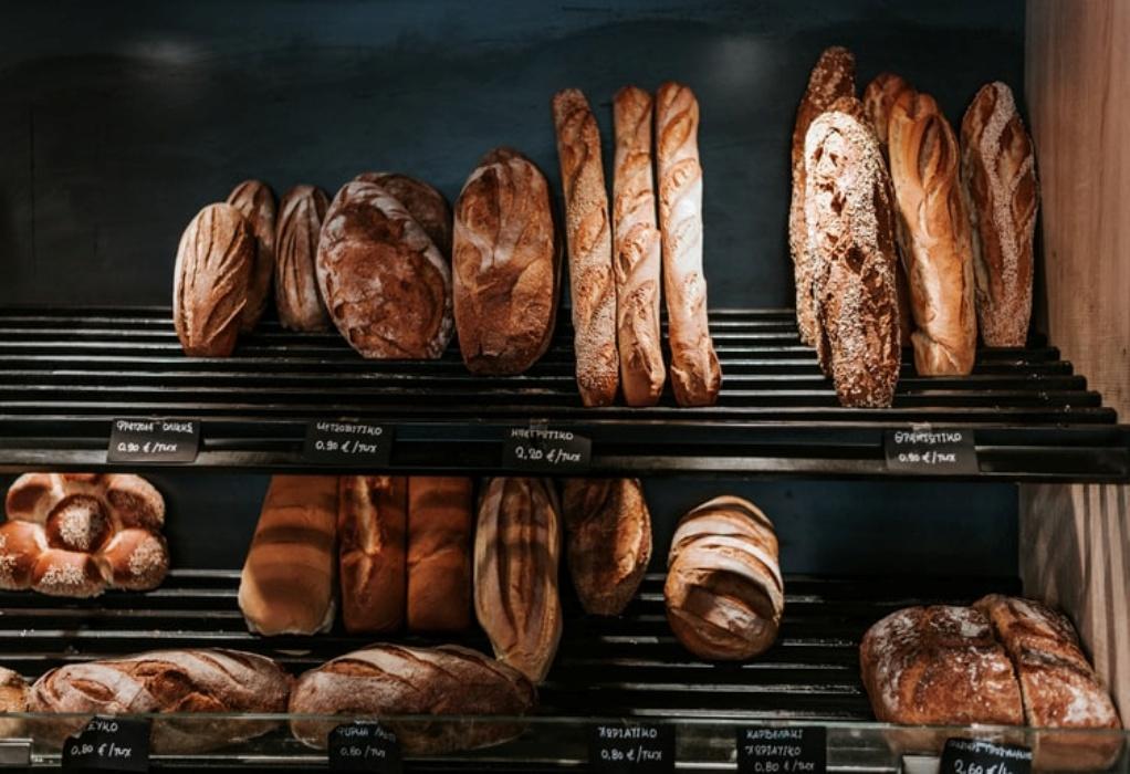 """Το """"ψωμί… ψωμάκι"""": Αυξήσεις έως και 15 λεπτά στο καρβέλι"""