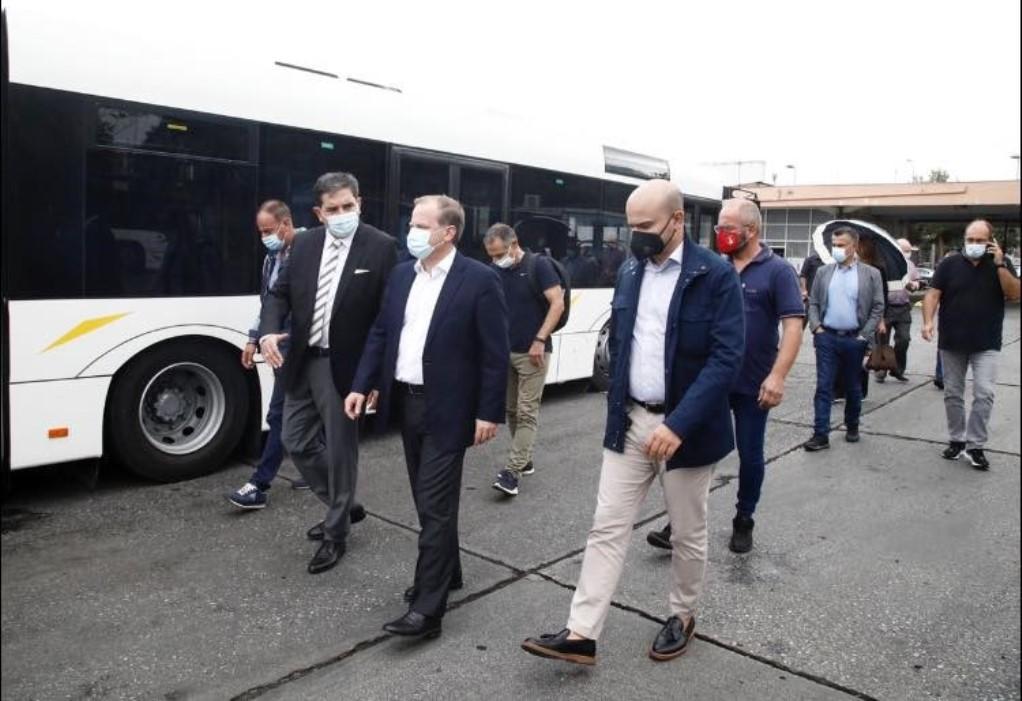 Καραμανλής: Άλλα 80 λεωφορεία στη Θεσσαλονίκη μέχρι τέλος του μήνα