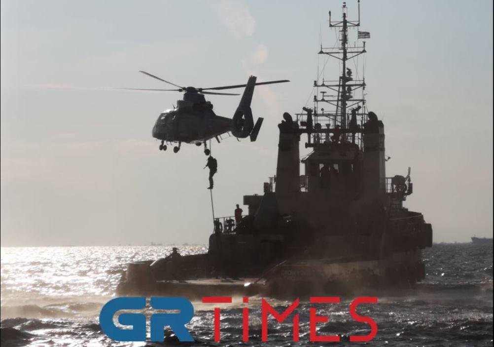 """Θεσσαλονίκη: Τα """"κομάντο"""" του Λιμενικού σε δράση (ΦΩΤΟ-VIDEO)"""