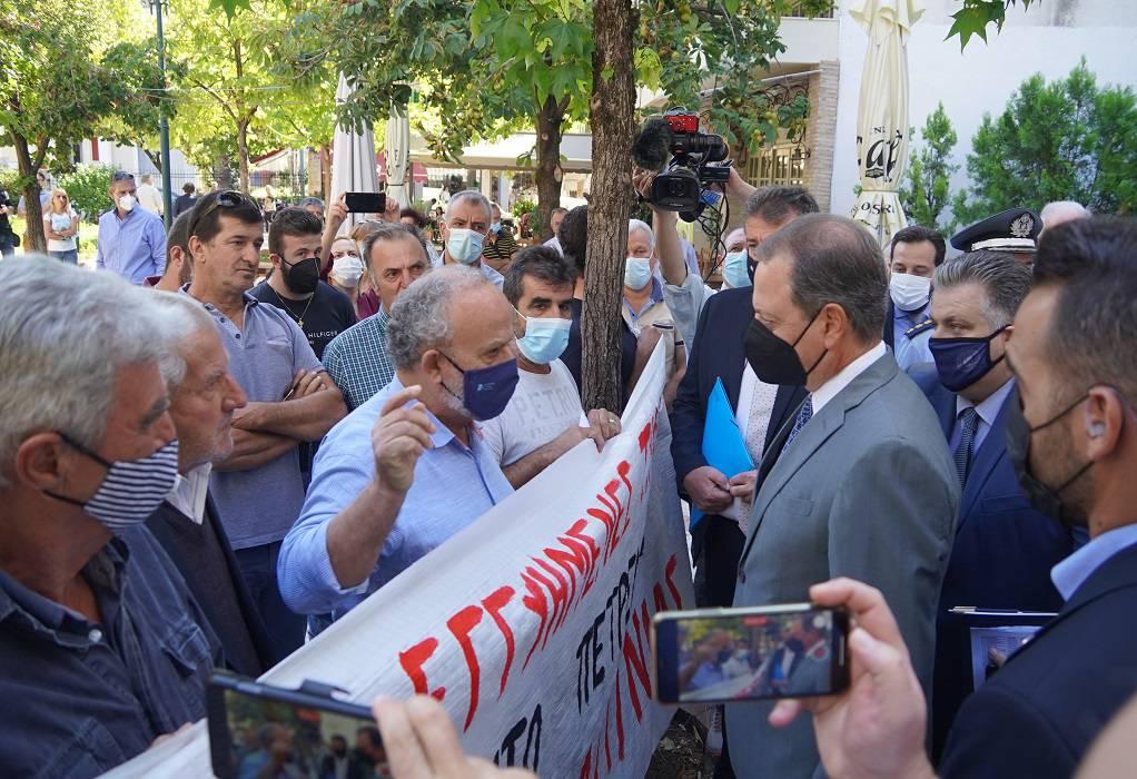 Λιβανός σε αγρότες στο Αγρίνιο: Οι πόρτες του Υπουργείου είναι πάντοτε ανοικτές