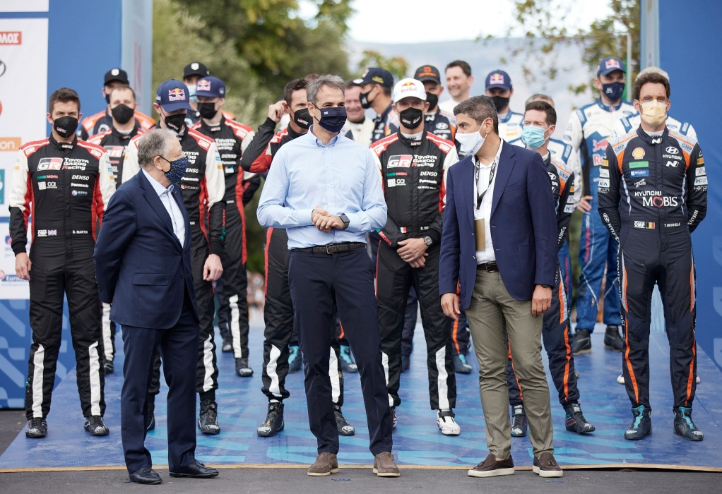Ο πρωθυπουργός κήρυξε την έναρξη του Rally Acropolis (ΦΩΤΟ)