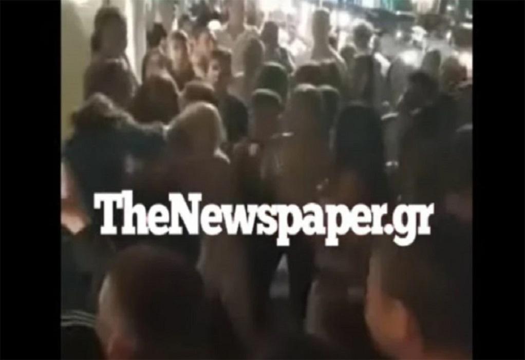 Απίστευτες εικόνες στον Βόλο: Άγριο επεισόδιο με ξύλο ανάμεσα σε ανήλικα κορίτσια (VIDEO)