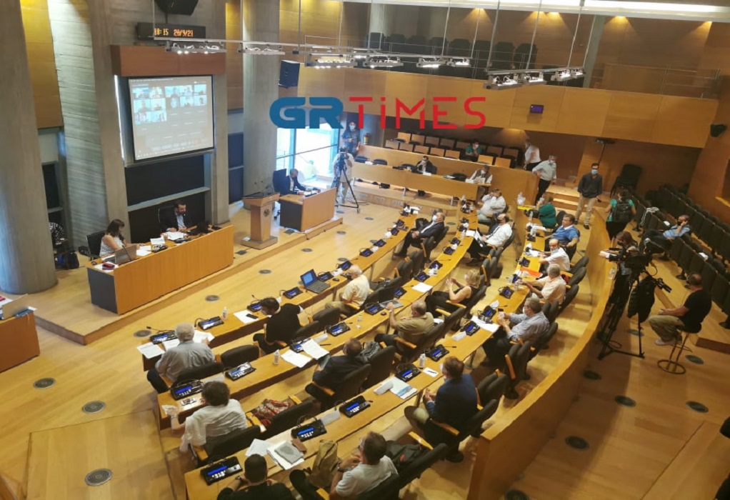 Θεσσαλονίκη: Υβριδική και με πιστοποιητικό εμβολιασμού η συνεδρίαση του Δημοτικού Συμβουλίου (VIDEO)