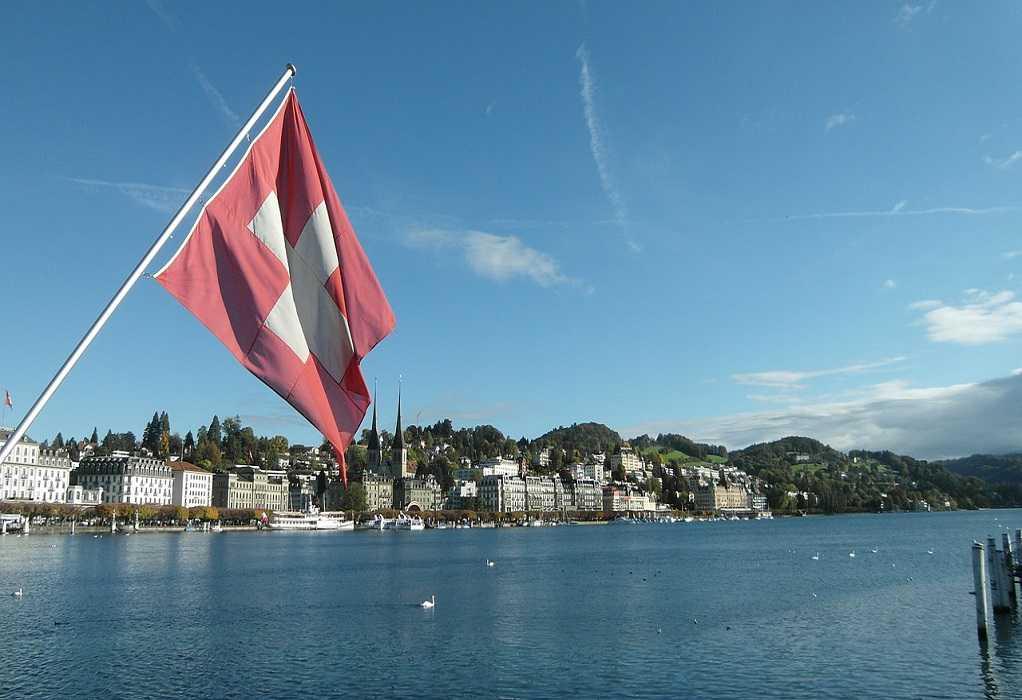 Οι Ελβετοί λένε ηχηρό «ναι» στον γάμο ομοφυλόφιλων
