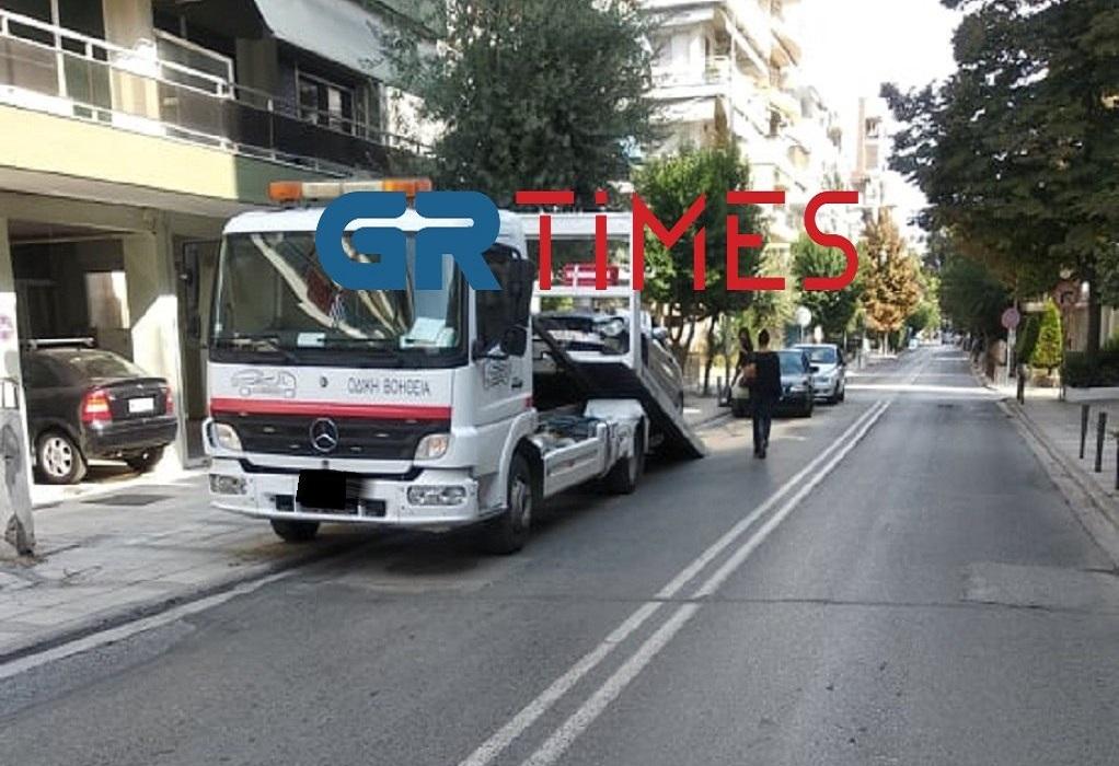 Θεσσαλονίκη: Σύγκρουση 2 οχημάτων στην Καλαμαριά (ΦΩΤΟ-VIDEO)