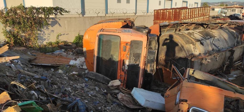 Κιλκίς: Έκλεβαν και τεμάχιζαν παλιά δημοτικά οχήματα – 2 συλλήψεις (ΦΩΤΟ)