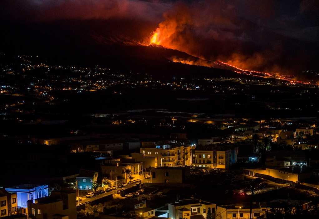 Λα Πάλμα: Οι αρχές εκκενώνουν πόλεις – Πτήσεις ακυρώνονται λόγω της ηφαιστειακής τέφρας