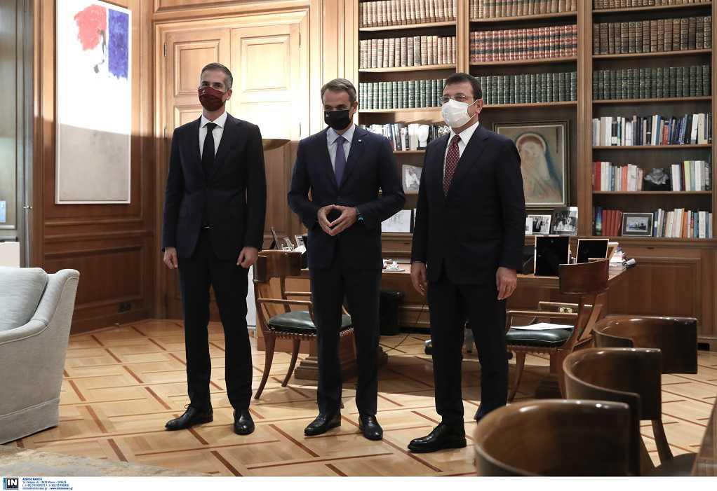 Συνάντηση του Κ. Μητσοτάκη με τους δημάρχους Αθήνας και Κωνσταντινούπολης (ΦΩΤΟ)