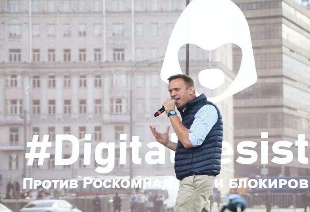 Ναβάλνι: Apple και Google «συνεργοί» του Πούτιν