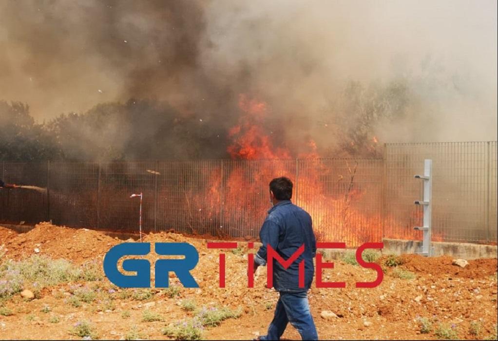 Θεσσαλονίκη: Φωτιά ξέσπασε κοντά στο Διαβαλκανικό (ΦΩΤΟ-VIDEO)