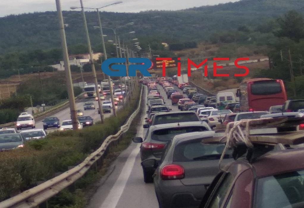 Θεσσαλονίκη: Καραμπόλα οχημάτων στην περιφερειακή (VIDEO)