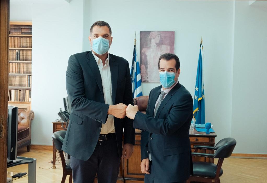 Με τον προπονητή- καλαθοσφαιριστή Δ. Παπανικολάου συναντήθηκε ο Θάνος Πλεύρης