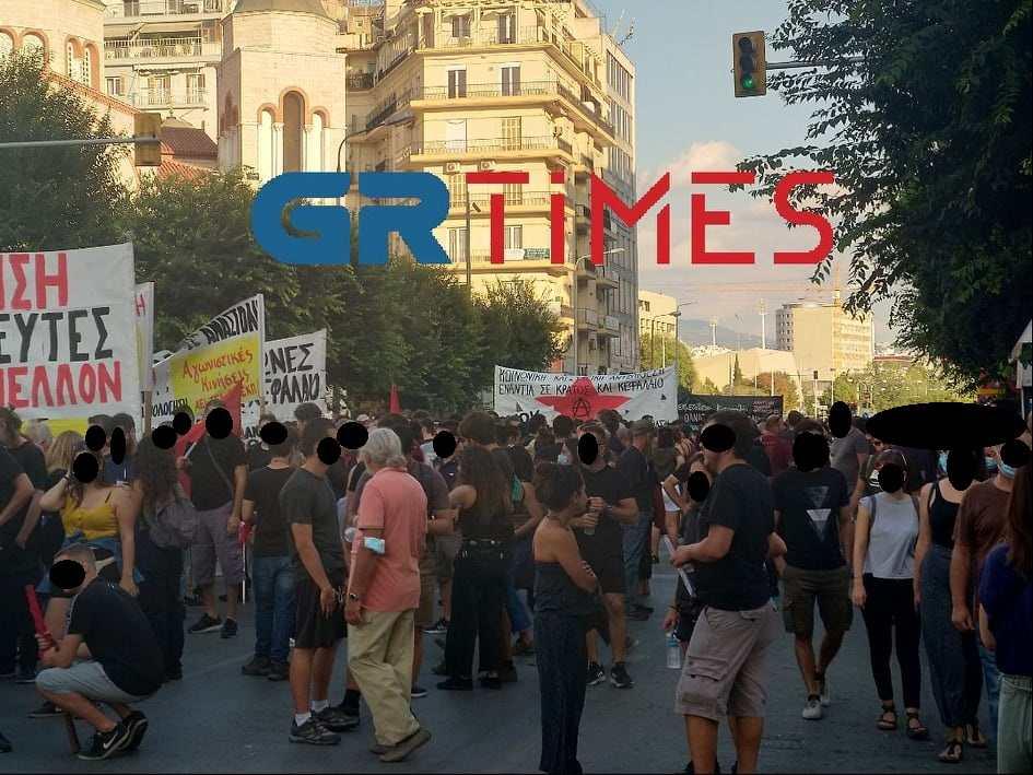 Θεσσαλονίκη: Στην Καμάρα εργατικά σωματεία και αντιεξουσιαστές (VIDEO)
