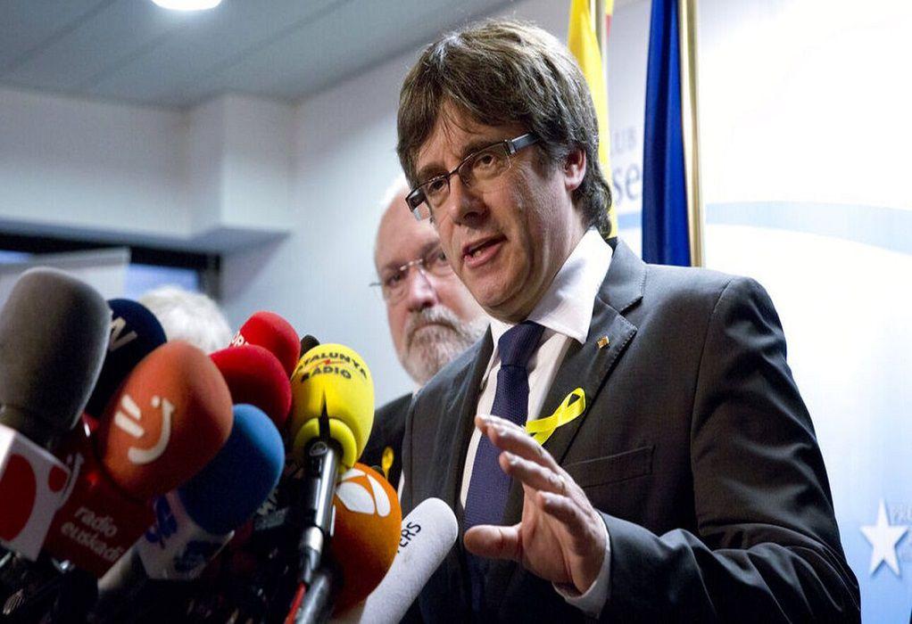 Κάρλες Πουτζντεμόν: Συνελήφθη στην Ιταλία ο πρώην πρόεδρος της Καταλονίας