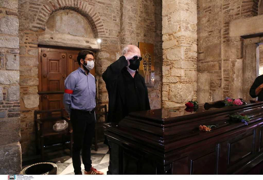 Μίκης Θεοδωράκης: Γιατί ο Σαββόπουλος τον χαιρέτησε στρατιωτικά στη Μητρόπολη
